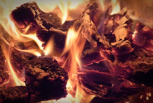 e837b60e29f7033ecd0b470de7444e90fe76e6d311b015489cf8c7_640_wood-burning